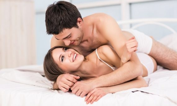 coppia-intima-a-letto