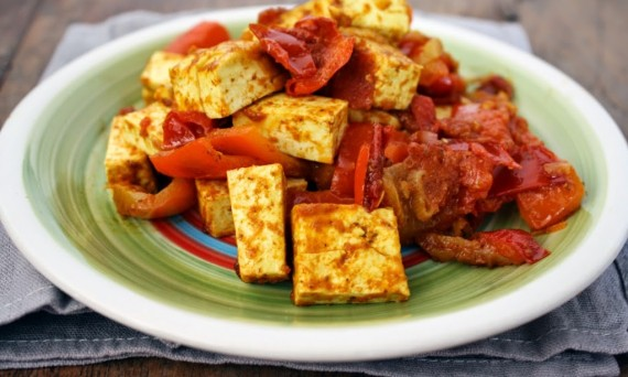 Peperoni-e-tofu-al-curry