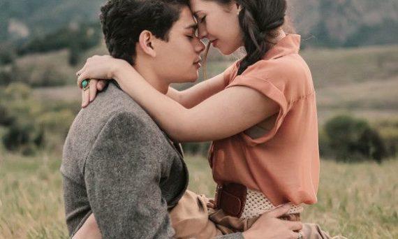 3916f60eedee510644f77052fc122788--teenage-couples-photography-couple-intimate-photography